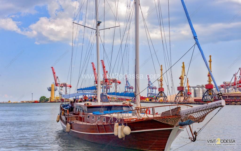 "Yacht Rent ""Royal-Maris"" in Odessa sea port"