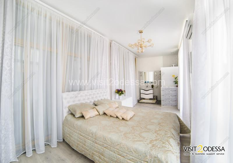 Rent 2 bedroom apartment in Arcadia Palace, Arcadia Odessa