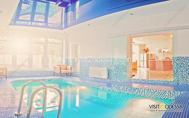 Rent house with pool in Odessa.