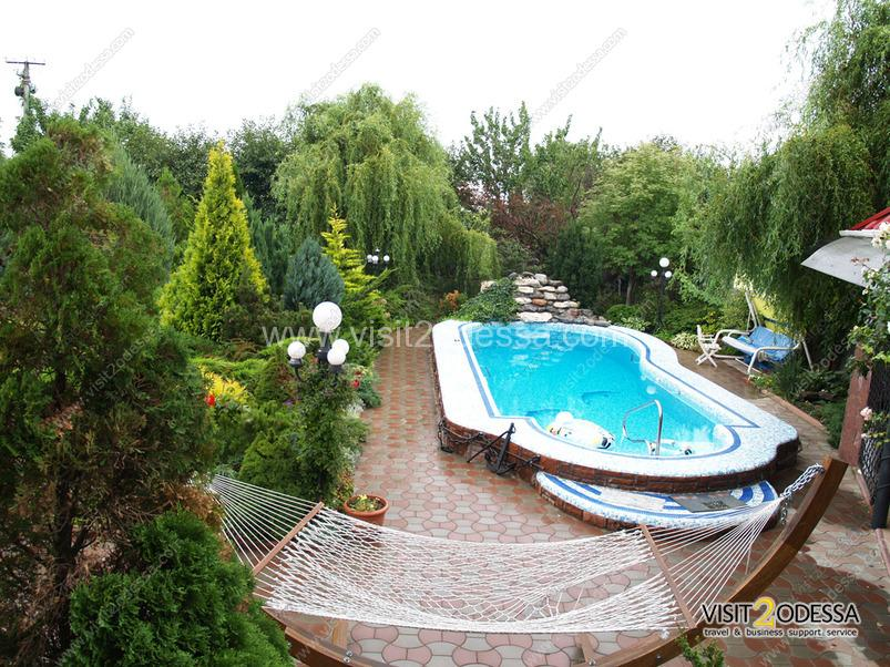 House in Odessa, three floors, summer garden, pool.