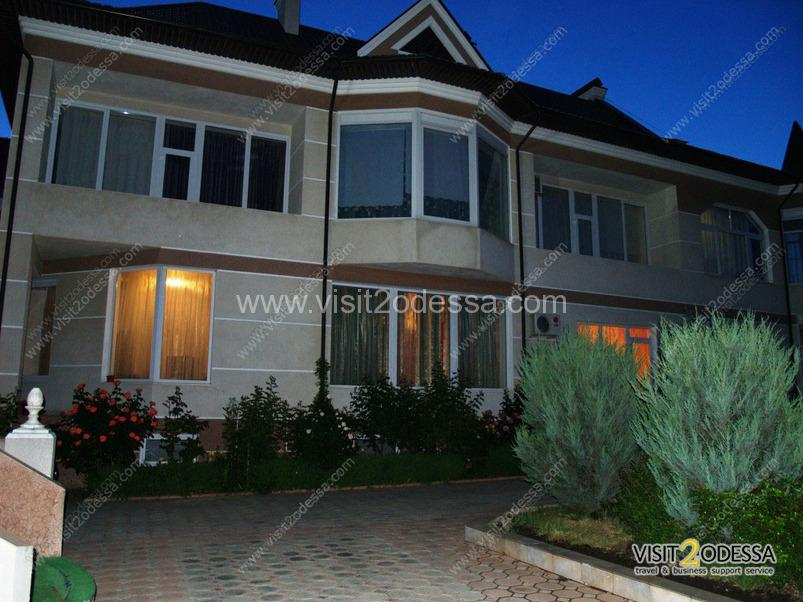 House rent, with the green, land plot in Odessa