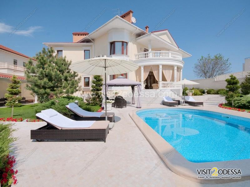 The best in Ukraine Villa house, 4 separate bedrooms, a terrace with the open pool.