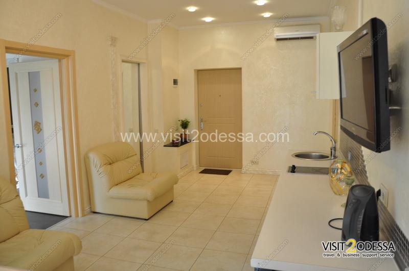 2 bedroom Odessa apartment in the new house, room for guests, kitchen studio
