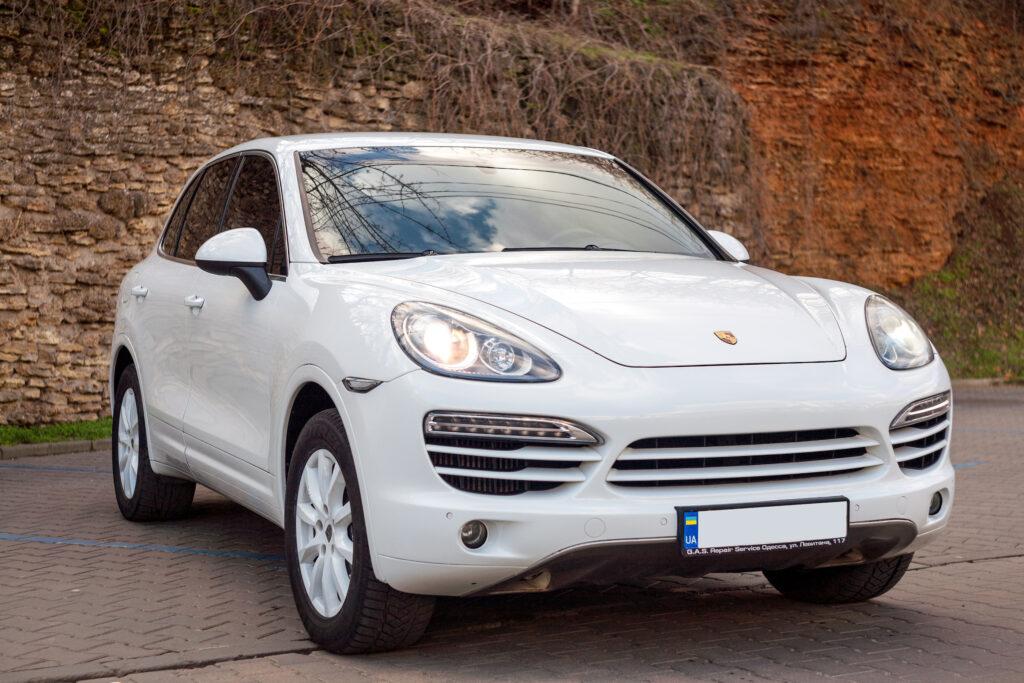 White Porsche Cayenne, Vip and Luxury class in Odessa Ukraine